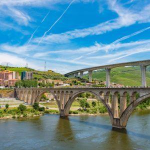 Peso da Regua brug Noord Portugal