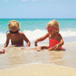 Portugal FamilieVakantie Kindere Spelen aan het strand